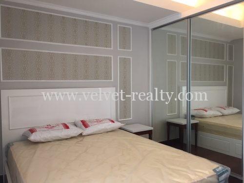Disewakan Apartmen The Royale SpringHill 1BR Luas 79m2 Kondisi Bagus Private Lift