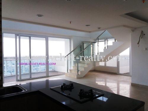 Dijual Penthouse Royale Springhill 2 Lantai view Sea dan Golf #VR220