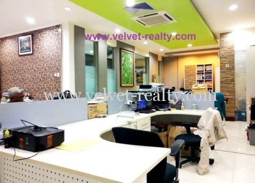 Dijual Gedung office 4 lantai luas 996 m2 dekat jalan raya sunter #VR352