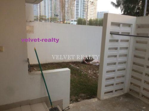 Dijual Rumah Golf Residence at Kemayoran 4+1 BR Luas 8 X 25m2 View Golf #VR606
