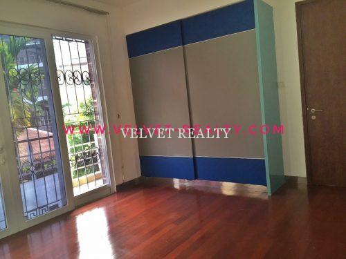 Disewakan Townhouse Springhill Kemayoran 4 lantai Semi furnish #VR392
